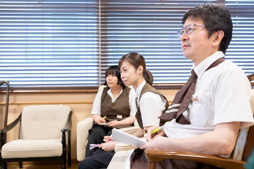 入居者1人に対して介護職員0.5人以上を目標にしたサポート体制