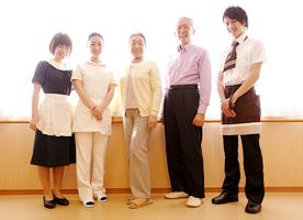 介護付有料老人ホームとその他サービスの違い