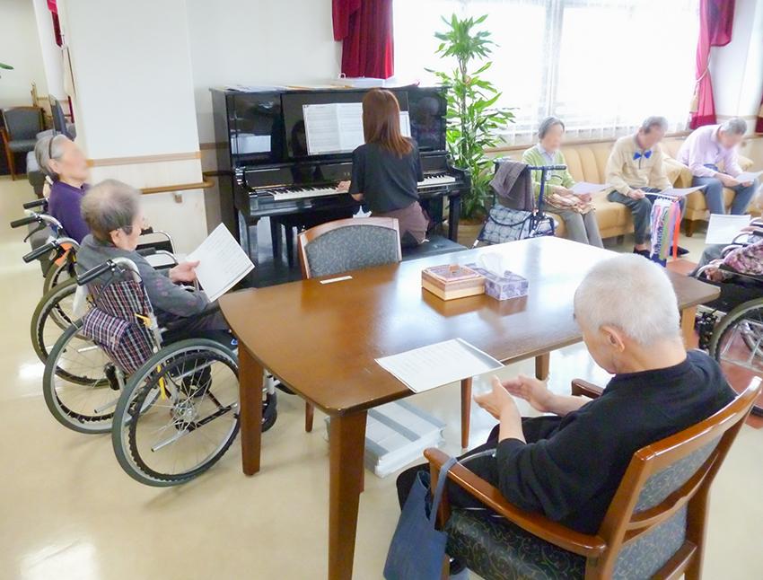 介護施設での音楽療法(春)♪